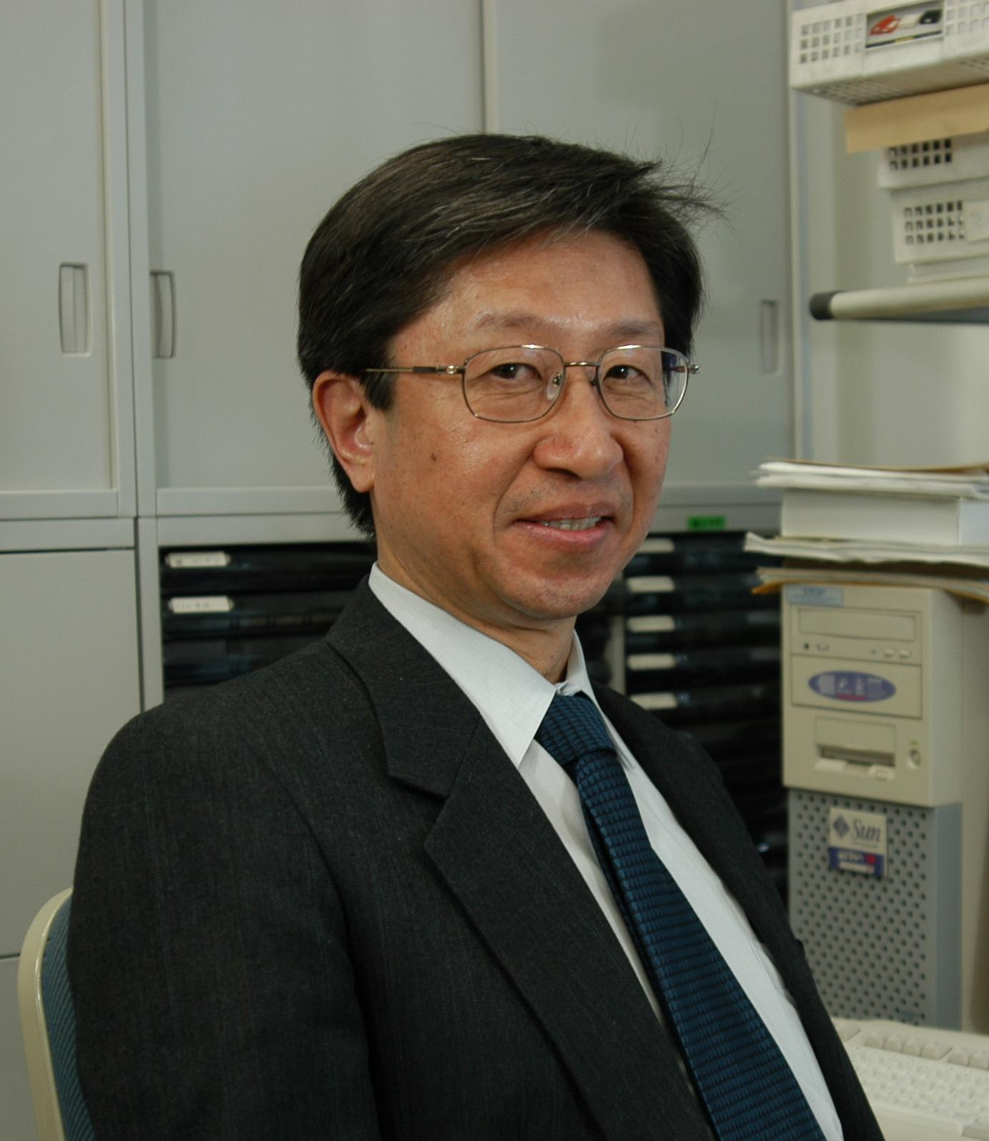Kokichi Sugihara pencipta ilusi optik ambiguous cylinders